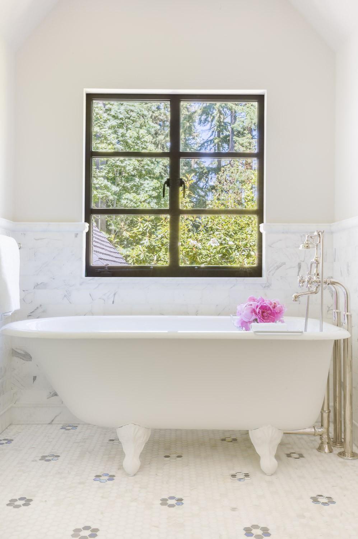 Portella - Alyssa Rosenheck Bathroom Image
