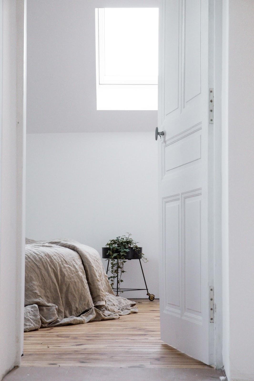 How to Mix Interior Door Styles