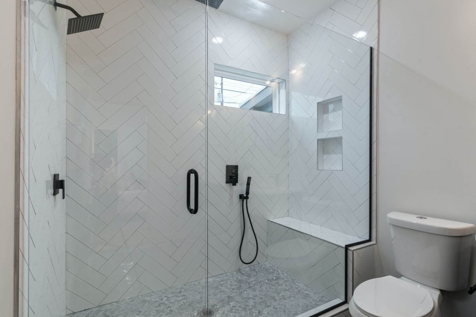 Choosing custom steel shower doors for your bathroom
